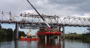 Sea Lift 2 With Bridge Frame On It 45jpeg